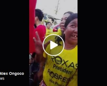Mar Roxas giving 5K to supporters video