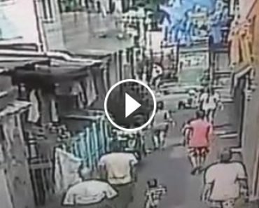 cop-mauls-old-man-seen-in-cctv-video