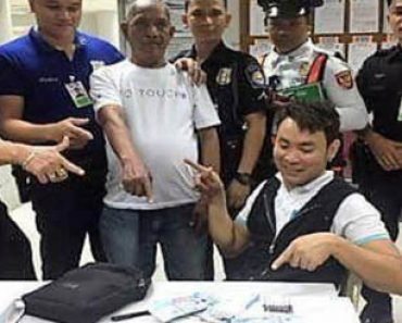 Honest NAIA employee. taxi driver earn praise in social media